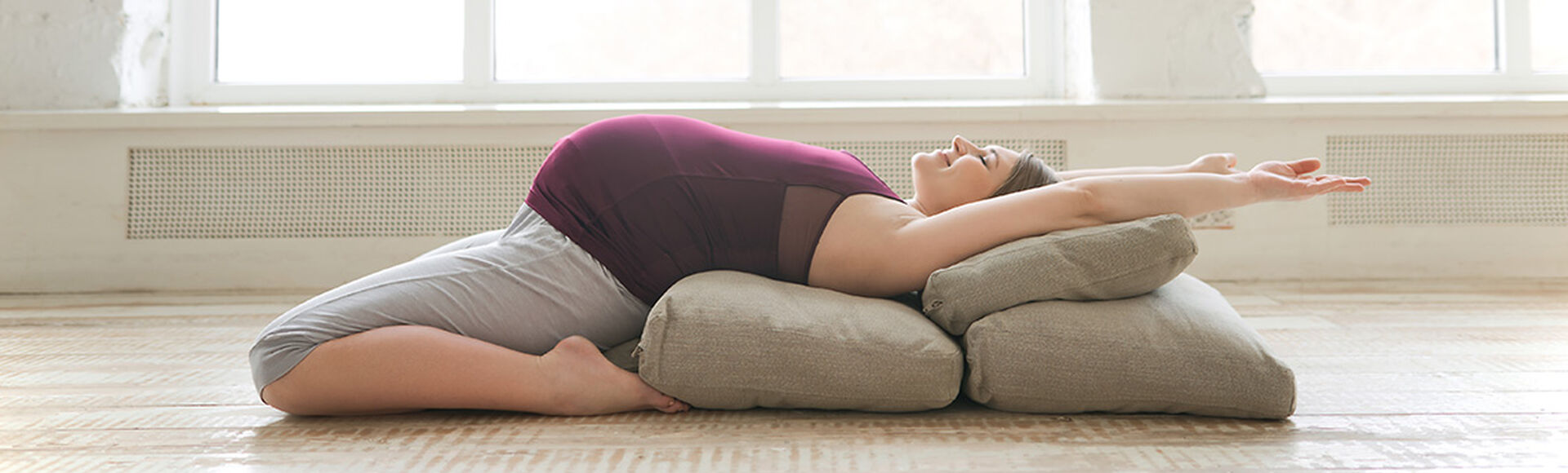 Beneficios del yoga en tu embarazo| Más Abrazos by Huggies